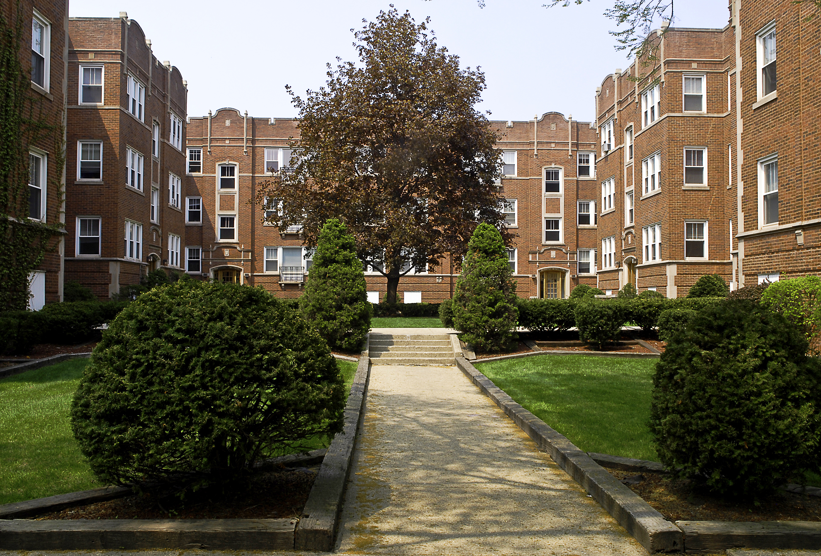 909-919 Washington Street